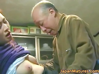 japanese mature babe likes awesome sex