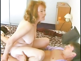 Amateur Granny Mature Old and Young Riding