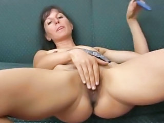 Masturbating Mature Toy