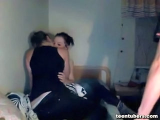 Amateur Kissing Student Teen Threesome