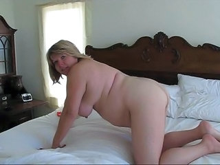 Amateur Chubby Homemade MILF Wife