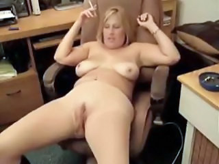 Amateur Chubby MILF Pantyhose SaggyTits Smoking