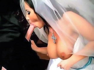 Big Tits Blowjob Bride MILF Natural