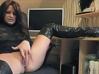 European German Masturbating MILF Webcam