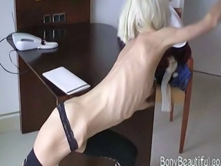 Sexy blonde skinny spoil shows off the brush anomalous anorexic body