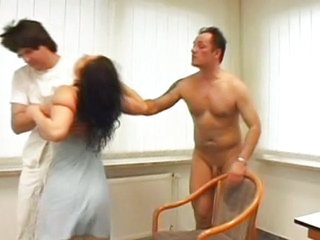 Drunk chick gets fucked