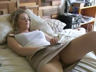 Anthea Masturbating