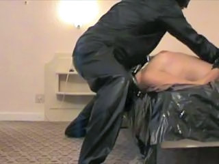 Deepthroat Latex Slave