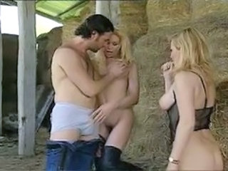 Farm MILF Pornstar Threesome