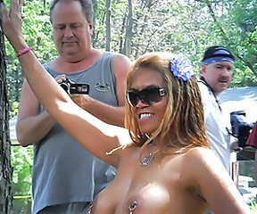 Amateur Ebony MILF Nudist Outdoor Piercing Public