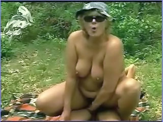 Amateur Chubby Mature Outdoor Riding SaggyTits