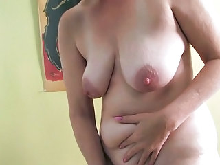 Masturbating Mature Nipples SaggyTits