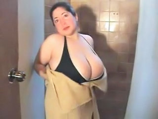 Amateur BBW Big Tits MILF Natural Showers