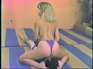 Ass Facesitting MILF Sport Vintage