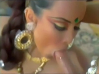 Blowjob Indian MILF Vintage