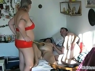 Chubby Homemade Mature Threesome