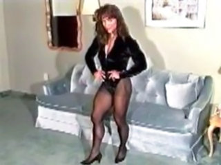 MILF Muscled Pantyhose Vintage