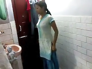 Baño India Adolescente