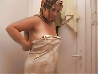 Amateur Arab Mature Wife
