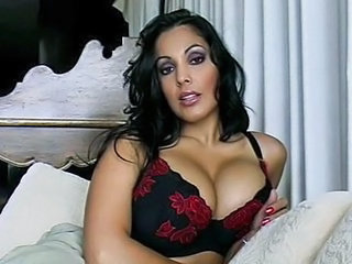 Bus Cute Latina MILF Natural