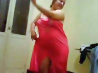 Amateur Arab BBW Dancing Homemade Wife
