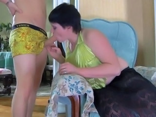 Blowjob MILF Mom Old and Young Russian