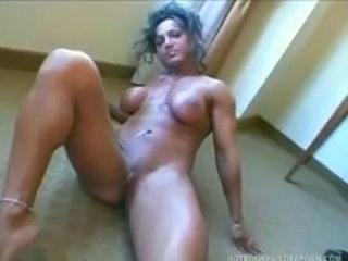 Mature muscle woman Rhonda Lee Quaresma rub her pussy