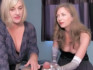 Handjob MILF Threesome