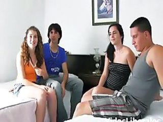 Sex in grup Swingers Adolescenta