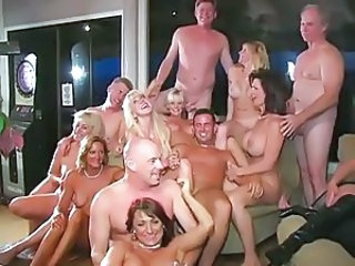 Groupsex Mature MILF Swingers