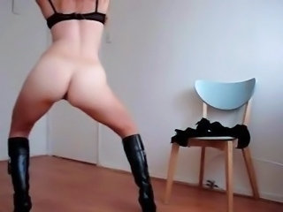 Amateur Ass Dancing Homemade