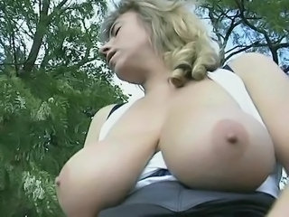 Big Tits MILF Natural Outdoor SaggyTits