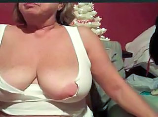 Big Tits Mature Nipples SaggyTits Webcam