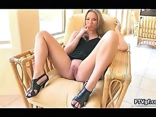 Babe Pussy Shaved Solo Teen