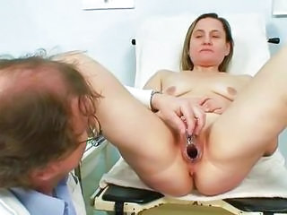 Older Jaroslava Gyno Speculum Cum-hole Cthis Guyckup At Gyno Clinic