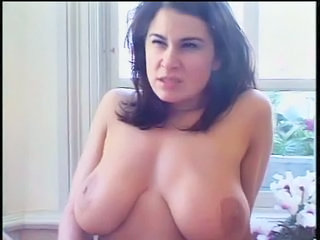 Babe Big Tits Bus Natural SaggyTits