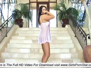 Babe Dancing European