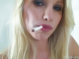 Blonde Bus Facial Natural Smoking