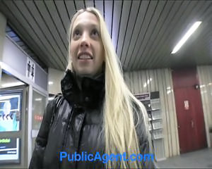 Amateur Blonde Point de Vue Public Ados