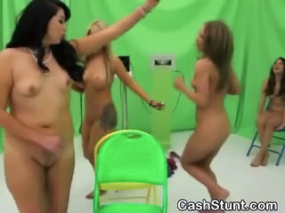 Amateur Girls Play Game To Se...