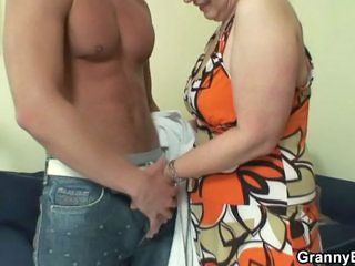 Old housewife gets nailed by ...