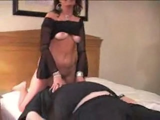 Amateur Cuckold Facesitting Homemade Older Wife