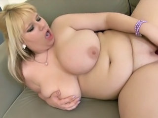 BBW Big Tits Masturbating Natural SaggyTits Teen