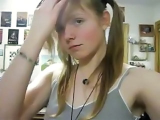 Pigtail Teen Webcam