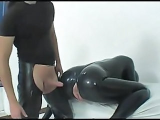 Gekleed Fetish Rubber