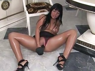 Babe Bus Dildo Masturbating Natural