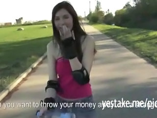 Skater Girl Shows Off Her Body And Fucked In Nature For Cash