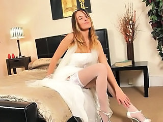 """Super hot white pants of sexy bride"""" class=""""th-mov"""