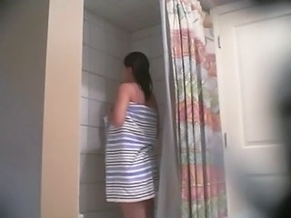 Spying on my 19yo naked sister free