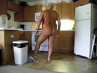 "Berta in the Kitchen becummin a meatloaf part #2"" class=""th-mov"